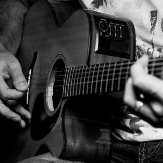 Daniel Schroth Gitarre